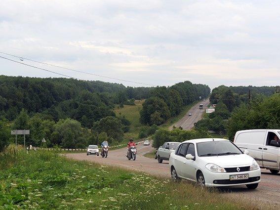 ДТП у селі Павлівка: двоє людей загинуло, ще одна - у лікарні (ФОТО) (фото) - фото 3
