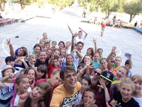 «Запорожский вектор» привез детям «ангелов» и звезду СТБ (фото) - фото 2