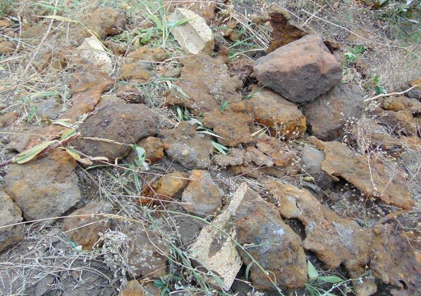В Мариуполе женщина, искавшая металлолом, погибла под завалами грунта, фото-5