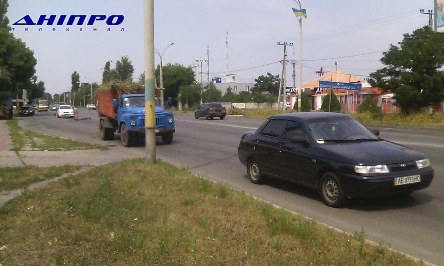 На пешеходном переходе в районе «Сельмаг» грузовик насмерть сбил мужчину, фото-1