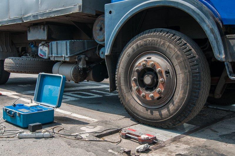 На дорогах Днепропетровщины из-за жары ограничили движение грузовиков (фото) - фото 4
