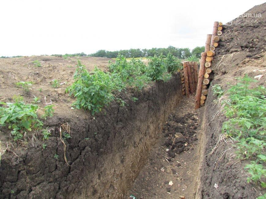 Були порослі, стали лінії оборони Маріуполя. Фоторепортаж (фото) - фото 12