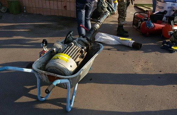 Буковинські міліціонери в зоні АТО ліквідували нелегальний канал постачання палива з Росії, фото-3