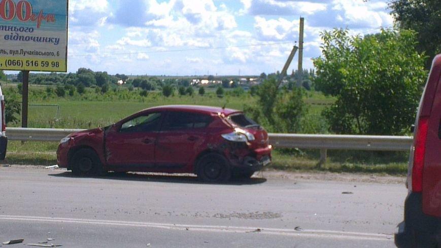 У Тернополі – масштабна ДТП: зіткнулися три автівки (фото, відео) (фото) - фото 3