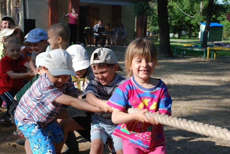 В Кривом Роге в пришкольных лагерях отдохнуло более 18 тысяч детей (фото) - фото 1