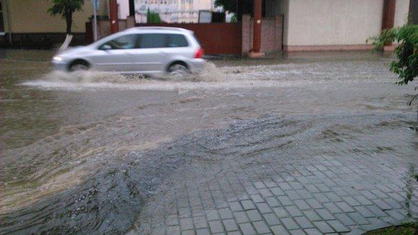 Сильные дожди глазами гродненцев - грозы, град и потопы местного уровня (фото) - фото 1