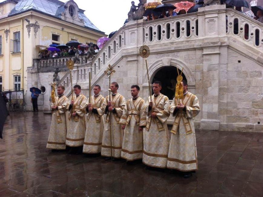 Що зараз відбувається на площі Святого Юра у Львові (ФОТО) (фото) - фото 1