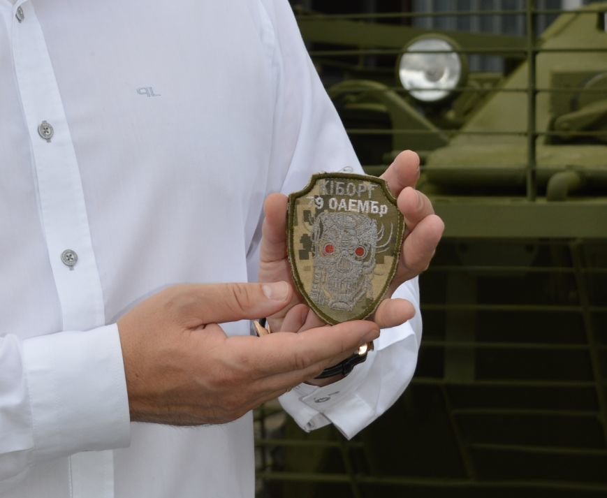 Николаевские десантники получили от волонтеров отремонтированный БТР (ФОТО) (фото) - фото 1