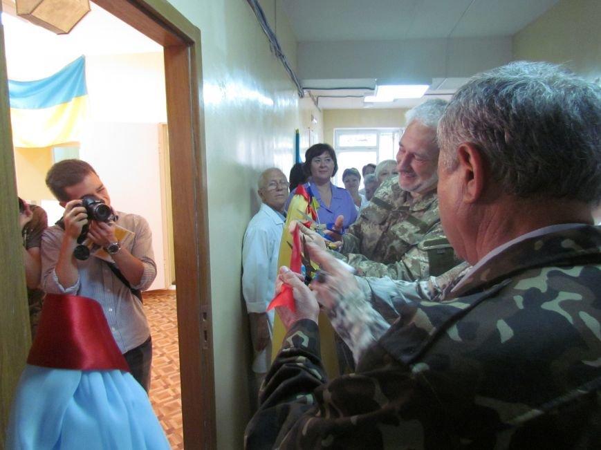 В Мариуполе губернатора Донецкой области привезли в больницу прямо с передовой (ФОТО), фото-4