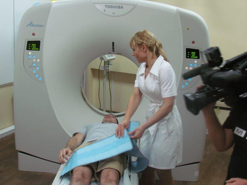 В Мариуполе губернатора Донецкой области привезли в больницу прямо с передовой (ФОТО), фото-6