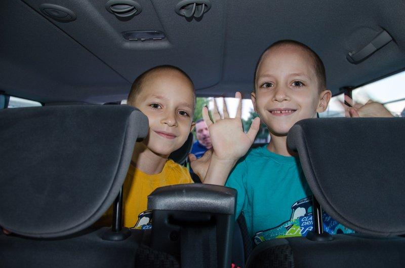 Четверо раненых в АТО детей отправились на реабилитацию из Днепропетровска в Литву (фото) - фото 2