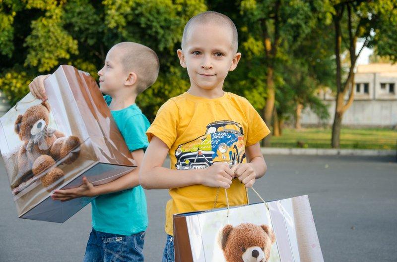 Четверо раненых в АТО детей отправились на реабилитацию из Днепропетровска в Литву (фото) - фото 1
