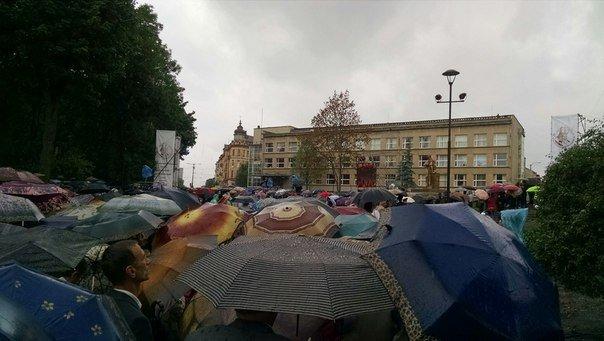 Сотні львів'ян прийшли вшанувати 150-річчя з Дня народження Андрея Шептицького (ФОТО) (фото) - фото 2