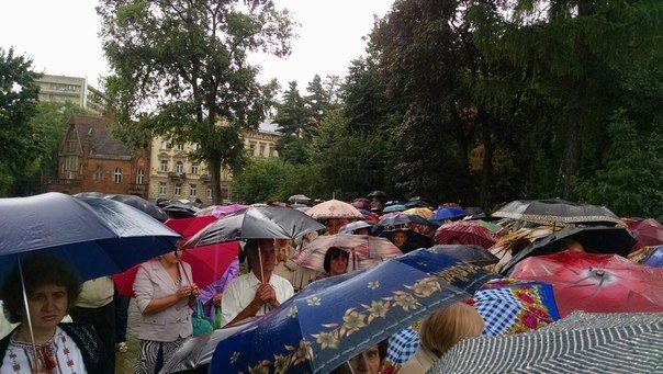 Сотні львів'ян прийшли вшанувати пам'ять Андрея Шептицького (ФОТО), фото-5