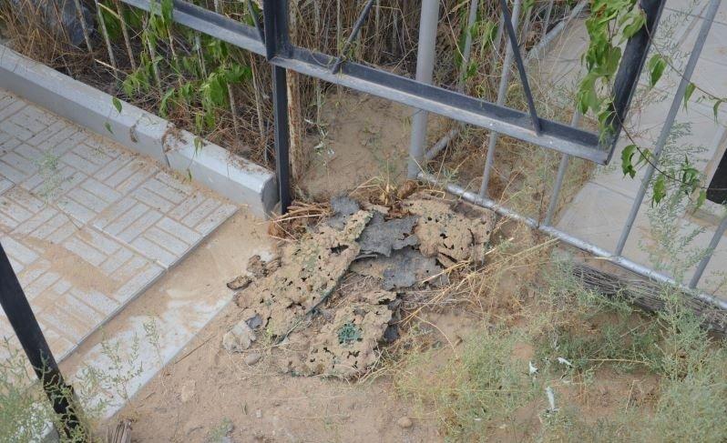 На христианском кладбище в Актау сжигают могилы и проводят сомнительные ритуалы (фото) - фото 5