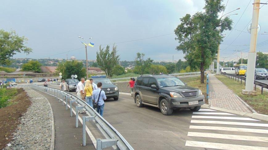 Губернатор Донецкой области открыл дорогу, соединяющую улицу Гавань Шмидта с пост-мостом (фото) - фото 1