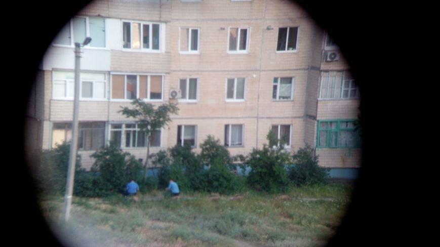 На левобережье Днепродзержинска мужчина выбросился из окна (18+) (фото) - фото 1