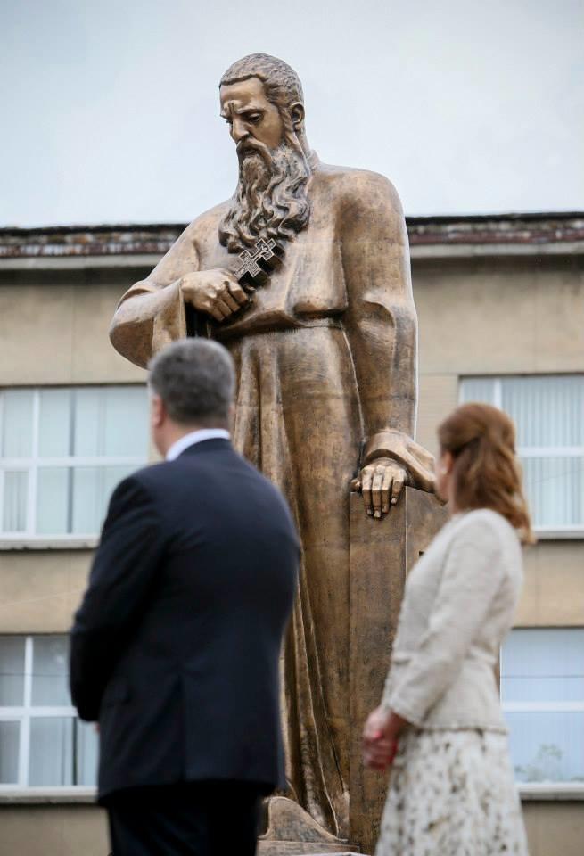 Петро Порошенко відкрив пам'ятник Митрополиту Андрею Шептицькому (фото) - фото 3