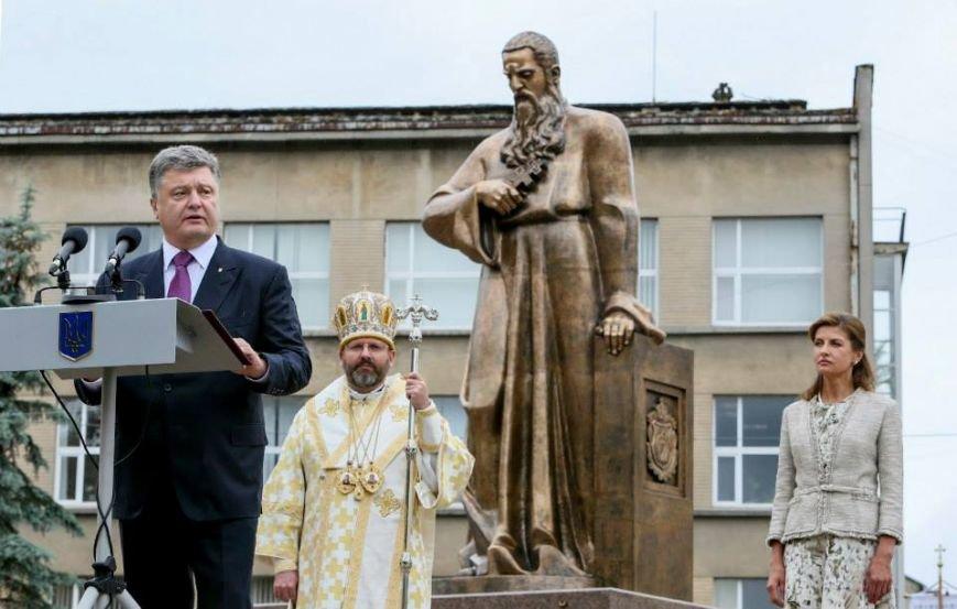 Петро Порошенко відкрив пам'ятник Митрополиту Андрею Шептицькому (фото) - фото 1