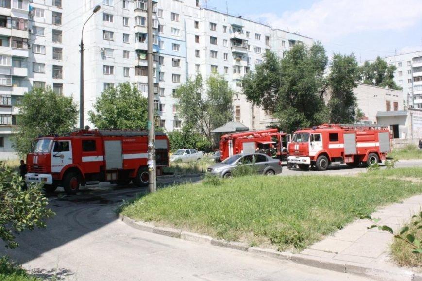 Пожар в лифте запорожской многоэтажки - трое детей попали в больницу (ФОТО, ВИДЕО) (фото) - фото 1