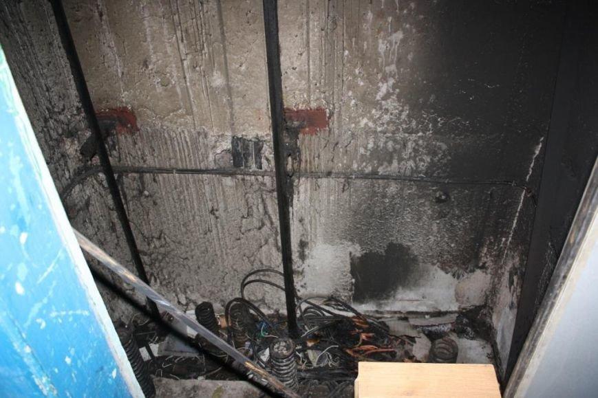 Пожар в лифте запорожской многоэтажки - трое детей попали в больницу (ФОТО, ВИДЕО) (фото) - фото 4