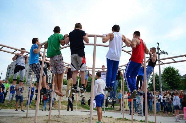 Жителей Днепродзержинска ждут на фестивале Street WorkOut (фото) - фото 4