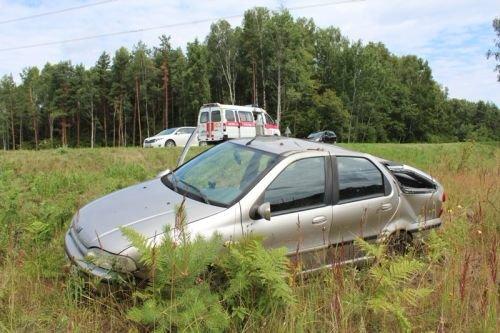 Под Гродно перевернулась машина с четырьмя малолетними детьми (фото) - фото 6