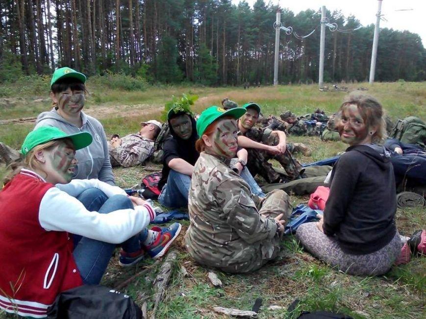 Діти учасників АТО з Полтавщини повернулися з литовського табору молодих стрільців (фото) - фото 1
