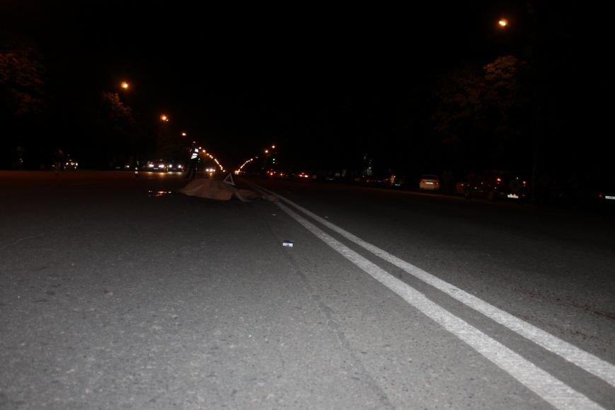 Смертельное ДТП в Кривом Роге: «Hyundai Getz»  на пешеходном переходе насмерть сбил мужчину (ФОТО 18+), фото-1