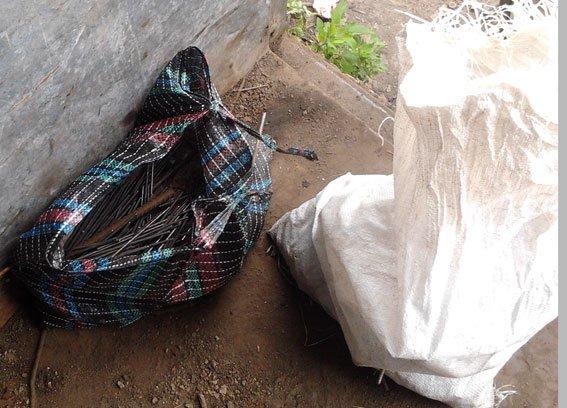 В Полтавской области группа вандалов осквернила более 300 могил (ФОТО) (фото) - фото 2