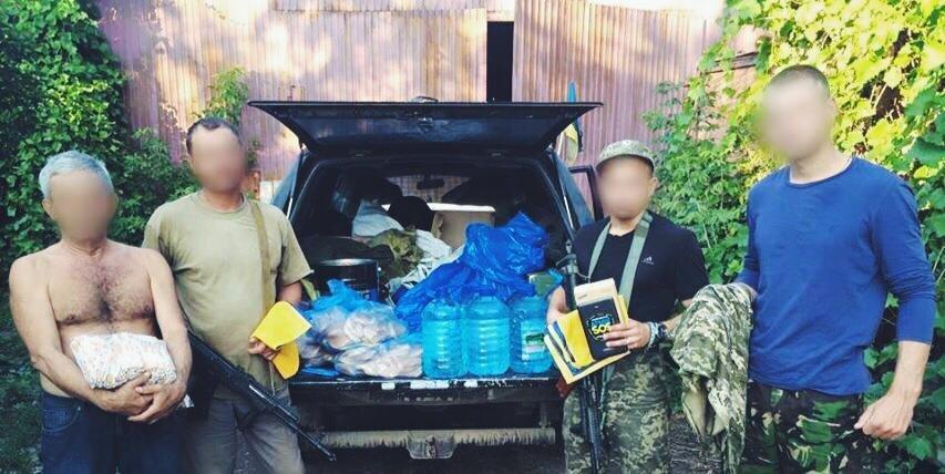 Морпехам в Широкино подарили планшет с картами, оптику и аптечку (фото) - фото 1