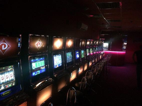 На харьковской автостанции правоохранители накрыли очередное казино (ФОТО) (фото) - фото 1