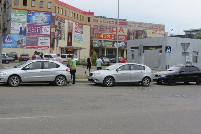 Франківських таксистів перевіряла ДАІ та податкова (фото) - фото 1