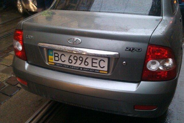 У Львові на вулиці Дорошенка водій спричинив потрійну аварію (ФОТО) (фото) - фото 4