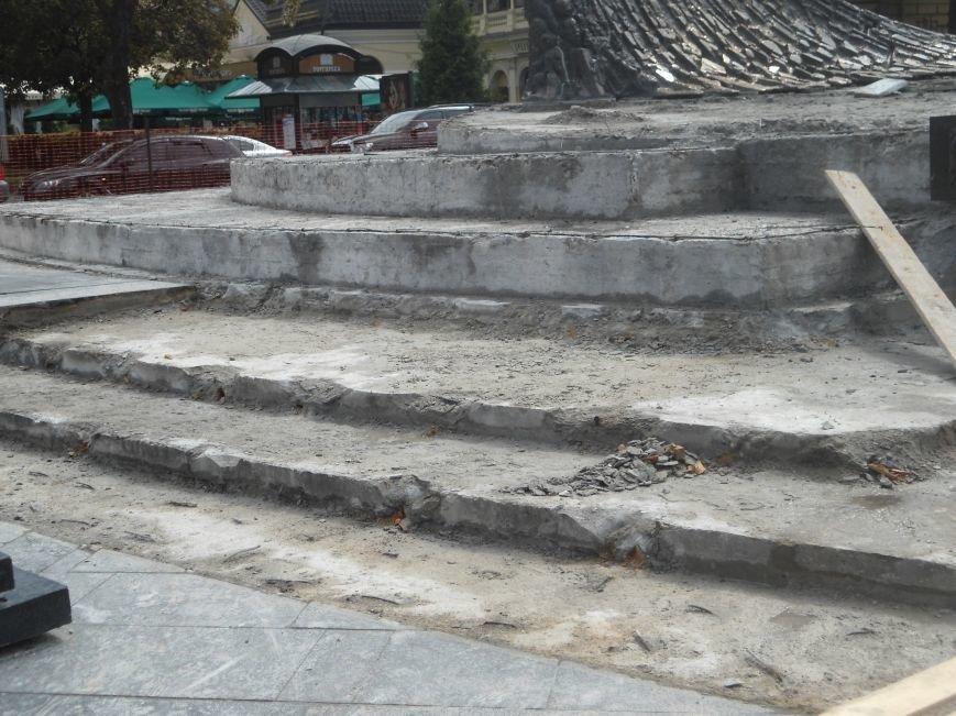 Як триває ремонт постаменту пам'ятника Тарасу Шевченку (ФОТО) (фото) - фото 2