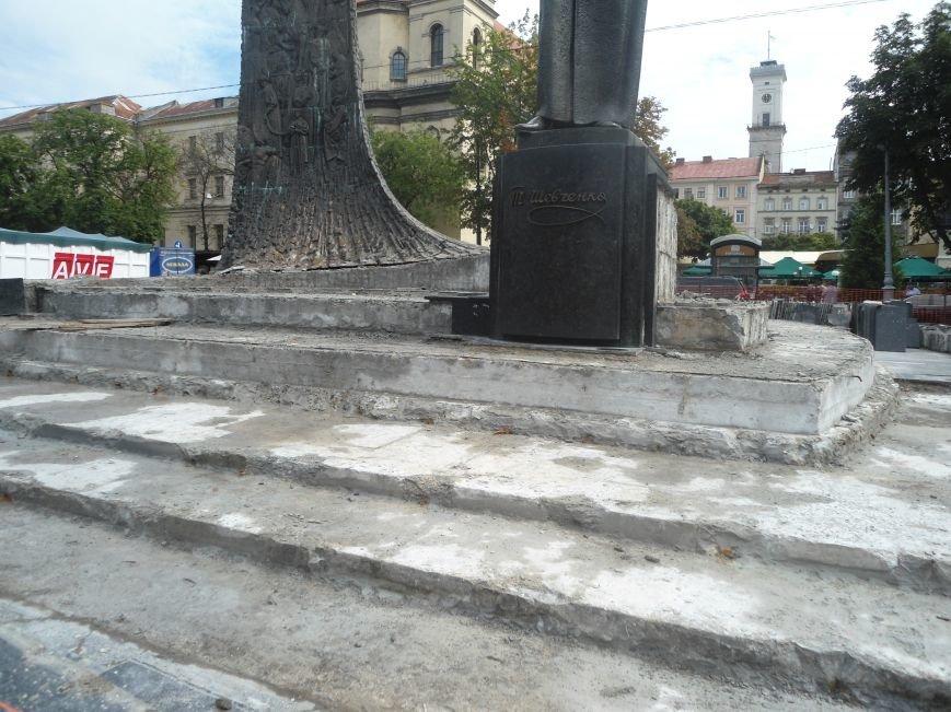 Як триває ремонт постаменту пам'ятника Тарасу Шевченку (ФОТО) (фото) - фото 5