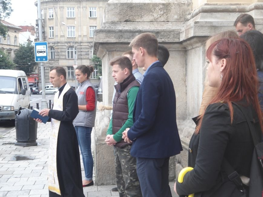 Львівські студенти зібрали більше 70 тис.грн. на закупівлю автомобіля для бійців (ФОТО) (фото) - фото 3