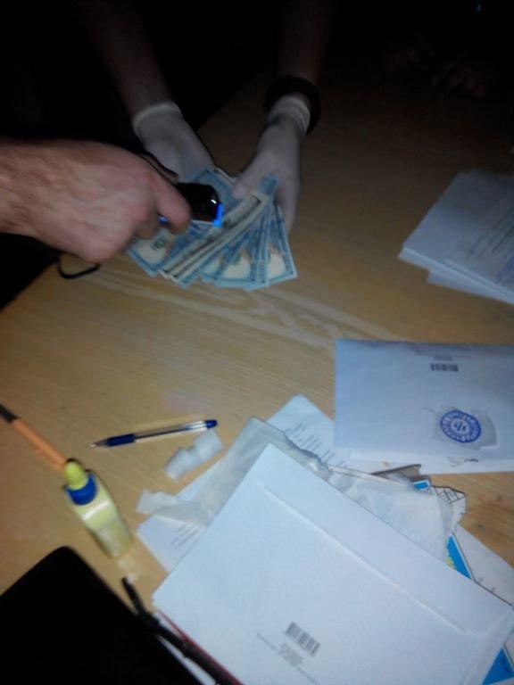 Декан одного з факультетів Чернівецького національного університету попався на хабарі, фото-1