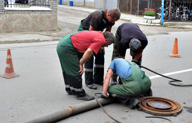 Сторожинецька мерія навела лад на вулицях міста (фото) - фото 3