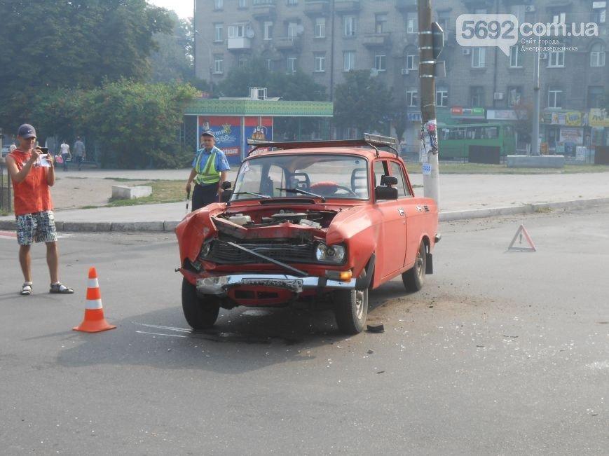 В Днепродзержинске на пересечении проспекта Ленина и Аношкина произошло ДТП (фото) - фото 3