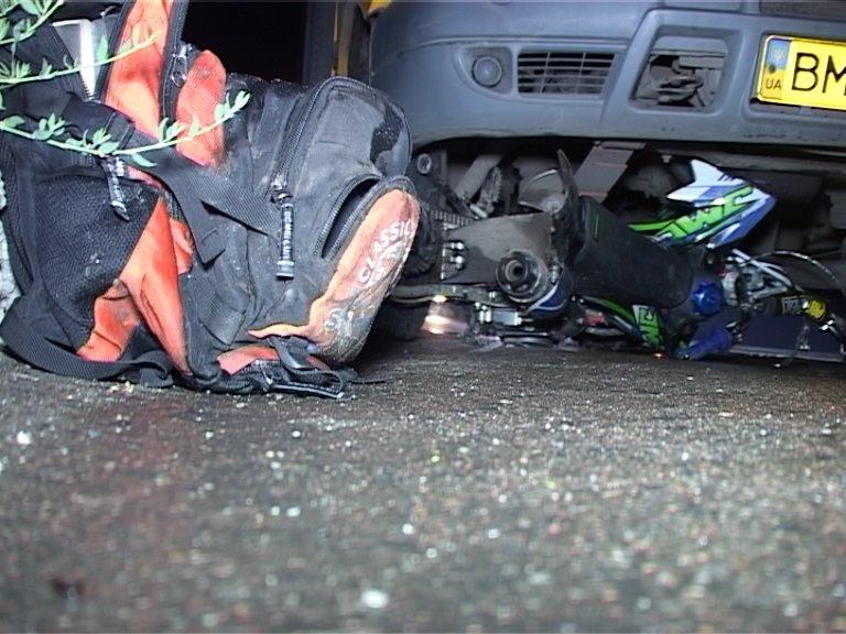 Кровавое ДТП в Сумах: водитель мотоцикла попал под колеса маршрутки (ФОТО+ВИДЕО), фото-1