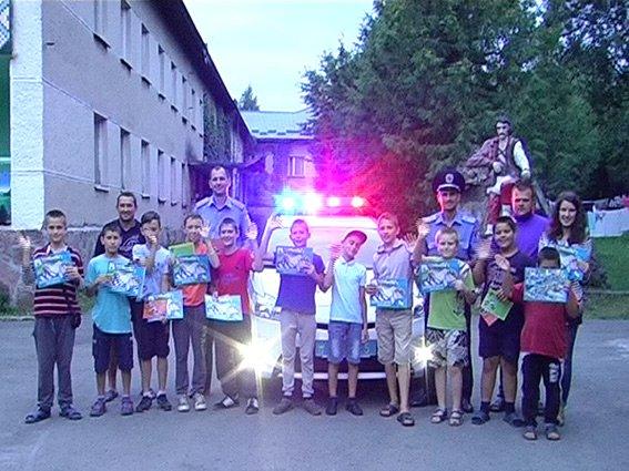 Працівники ДАІ розповідали вихованцям дитячого табору про правила дорожнього руху (ФОТО) (фото) - фото 2