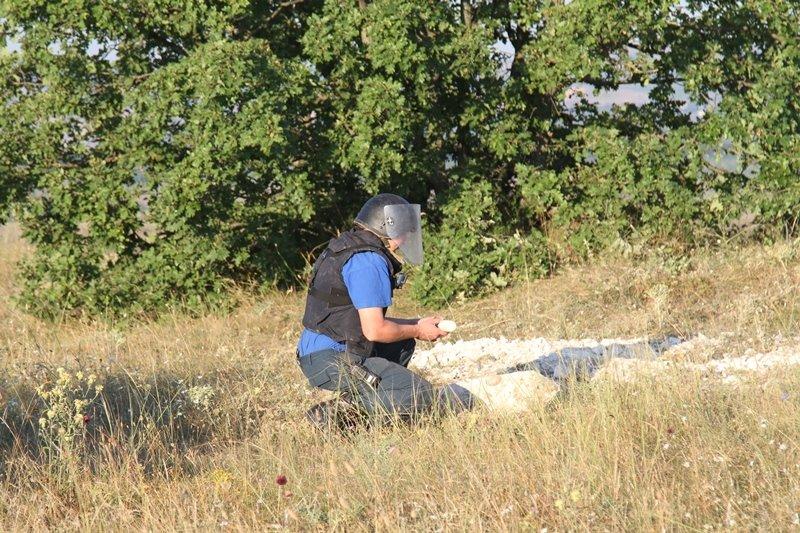 В Севастополе сегодня прогремели взрывы. Спасатели обезвредили 5 бомб времен войны (ФОТО), фото-5