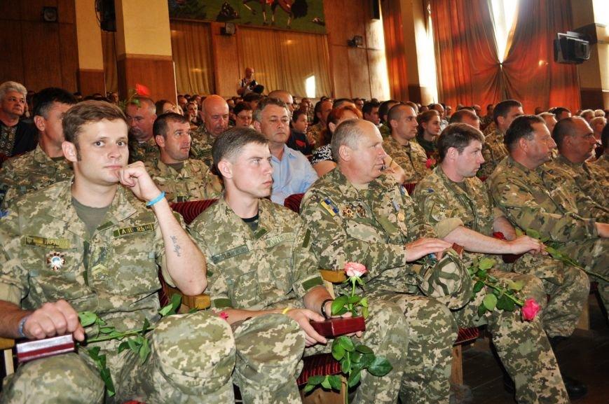 Бойцы Николаевской аэромобилки получили награды «За оборону Донецкого аэропорта» (ФОТО) (фото) - фото 1