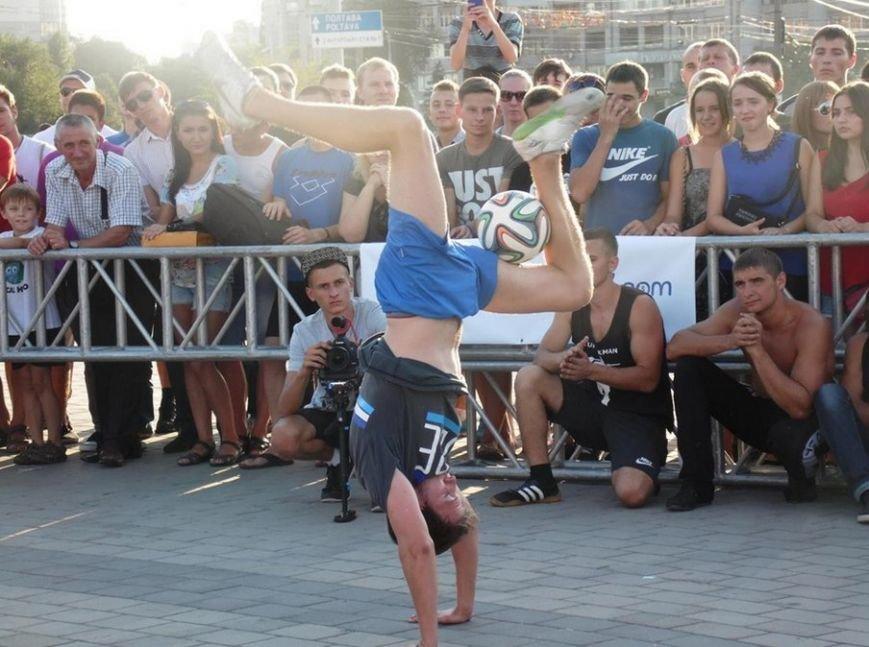 Неоднократный чемпион мира - криворожанин Олег Базилевич провел мастер-класс на  чемпионате «Street Wourkout» (ФОТО) (фото) - фото 1