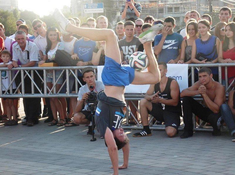В Днепропетровске прошел фестиваль «Street WorkOut» (фото) - фото 1