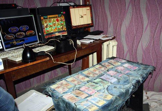 Правоохоронці Полтавщини викрили «казино» в орендованій квартирі. Фото (фото) - фото 1