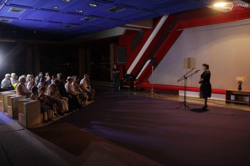 В Днепродзержинске состоялось открытие выставки икон на ящиках из-под патронов, фото-3