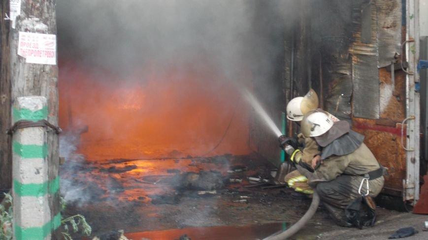 В Бердянске сгорела станция технического обслуживания (фото) - фото 6