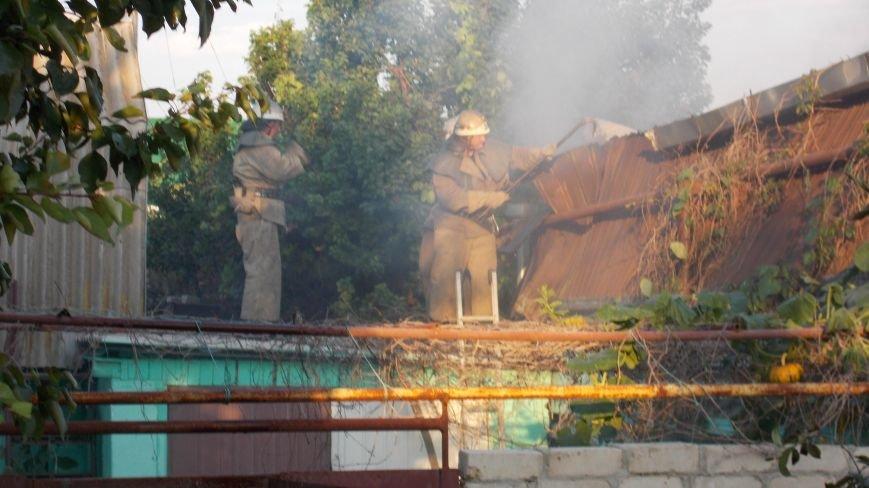 В Бердянске сгорела станция технического обслуживания (фото) - фото 3